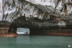 Luon Cave and Lake